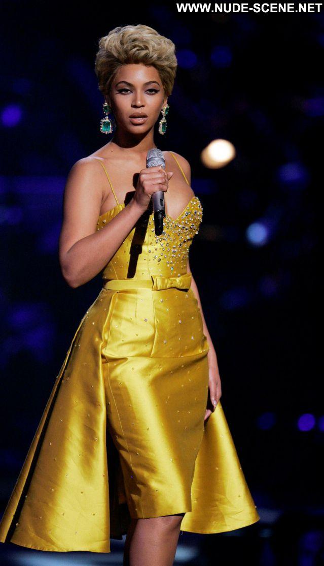 Beyonce No Source  Nude Scene Babe Celebrity Celebrity Singer Posing