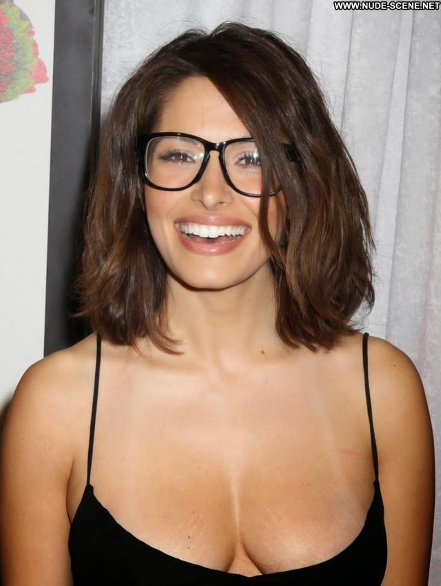Sarah Shahi No Source Glasses Black Boobs Natural Big Tits Posing Hot