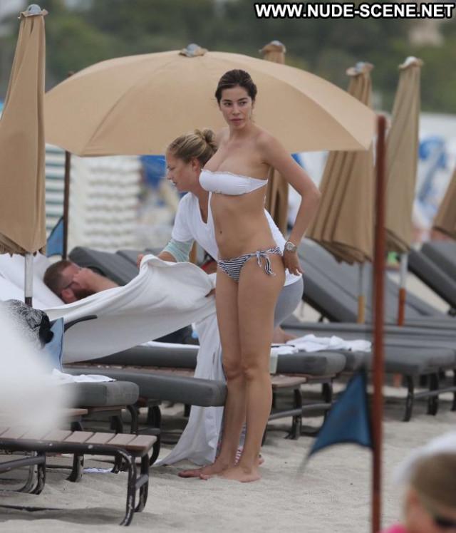 Bikini Miami Beach Bikini Celebrity Beautiful Babe Paparazzi Posing