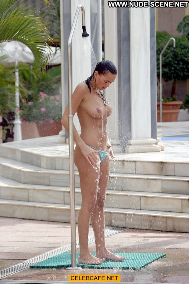 Lucy Clarkson No Source  Babe Beautiful Celebrity Posing Hot Pool