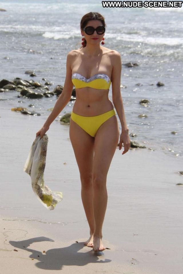 Photos The Beach In Malibu Posing Hot Mali Paparazzi Bikini