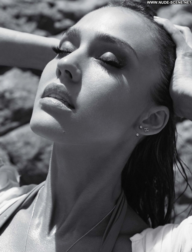 Jessica Alba Good Luck Chuck Celebrity Magazine American Photoshoot
