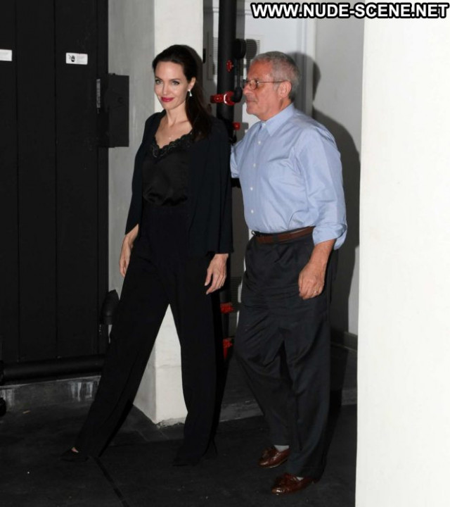 Angelina Jolie Los Angeles Celebrity Posing Hot Beautiful Los Angeles