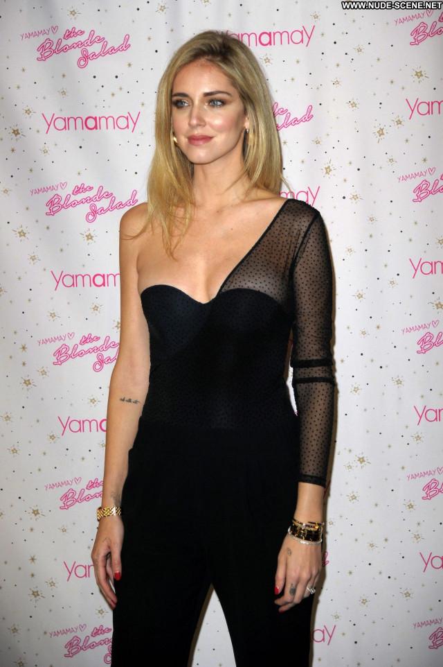 Natalie Jayne Roser On Line Bus Babe Model Posing Hot Fashion Model