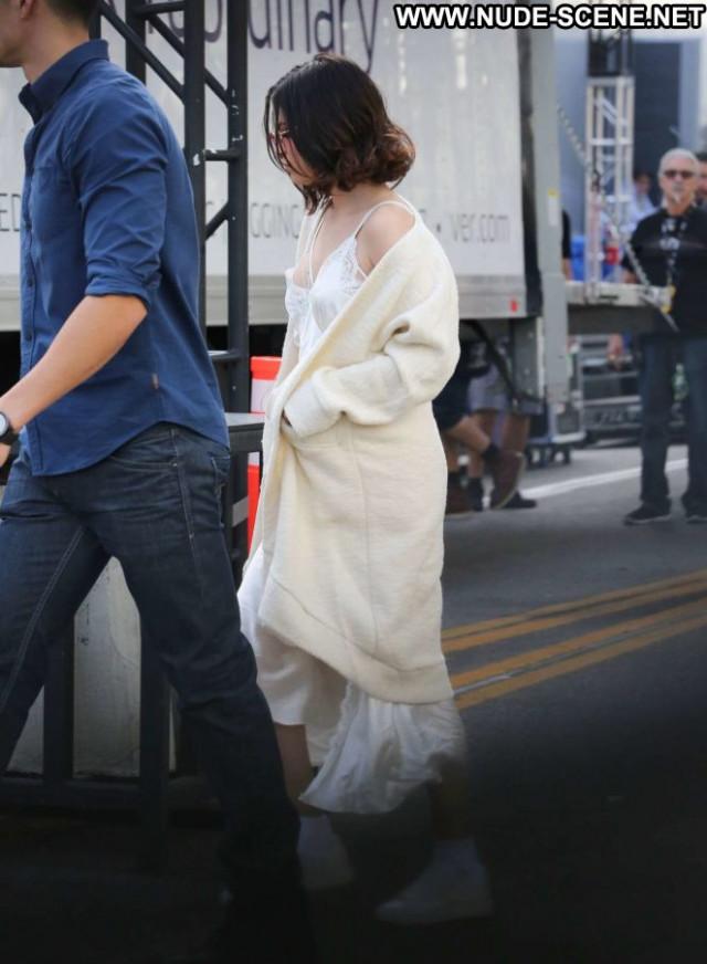 Selena Gome No Source  Posing Hot Babe Celebrity Beautiful Paparazzi