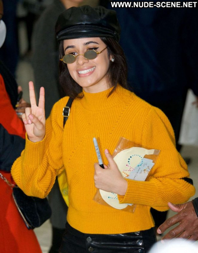 Camila Cabello No Source Babe International Posing Hot Paparazzi
