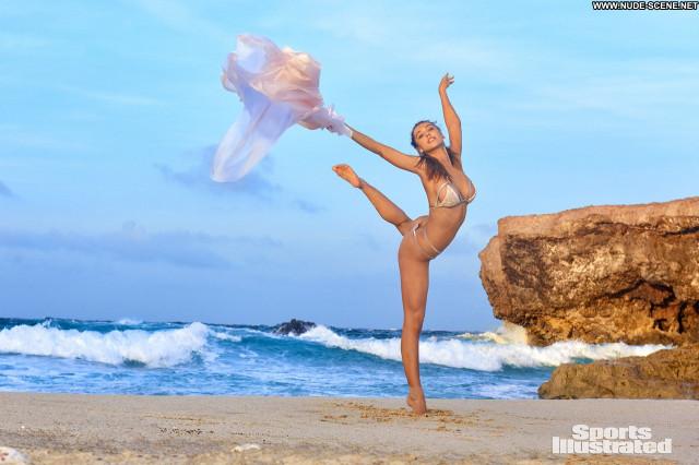 Paige Spiranac Sports Illustrated Swimsuit Celebrity Bra Sport Sexy
