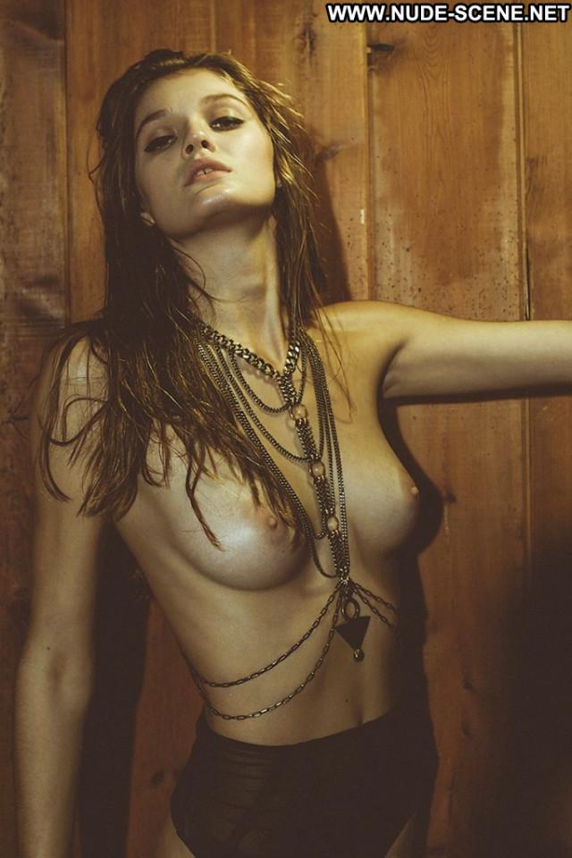 Sofia Vergara Poison Ivy Babe American Hat Magazine Nude Sex Scene