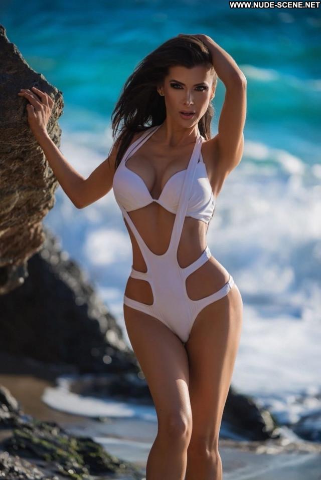 Alicia Davis Anna Nicole Male Videos Car Swimsuit Stunning Nyc Posing