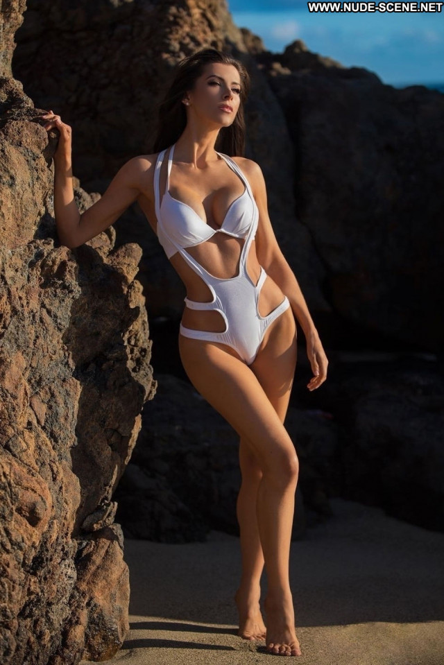 Alicia Davis Anna Nicole Hat Posing Hot Car Hot Stunning Bra Malta