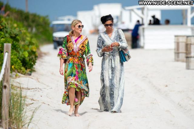 Patricia Contreras Aly Michalka Celebrity Beautiful Bar Summer Ocean
