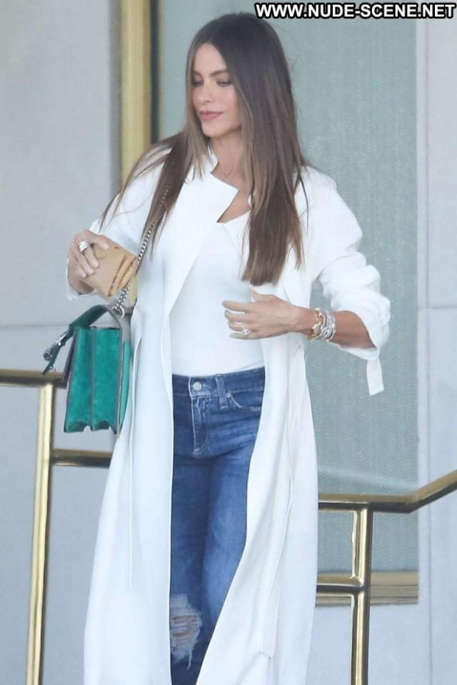 Sofia Vergara Beverly Hills Paparazzi Posing Hot Shopping Celebrity