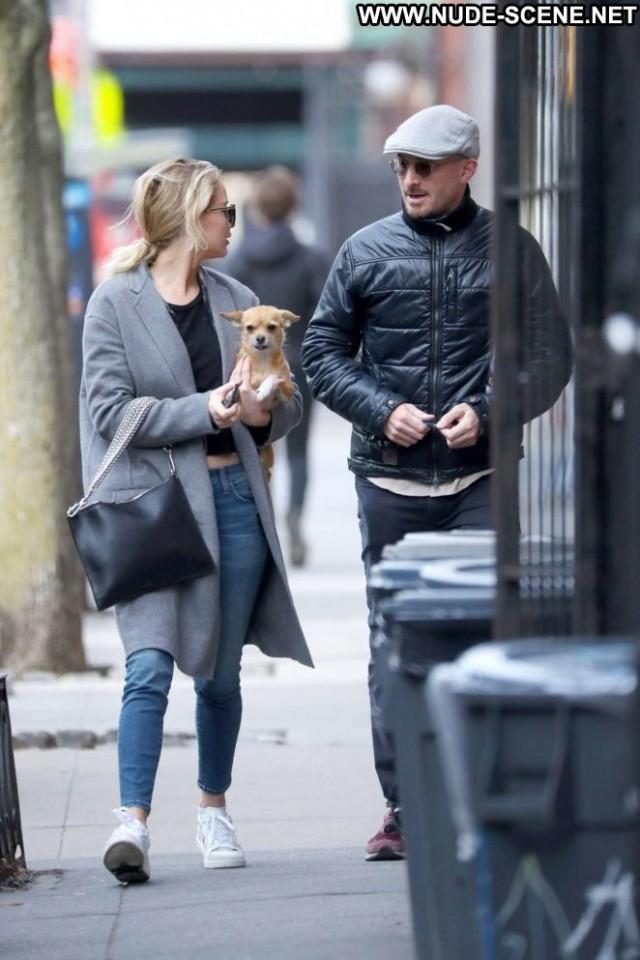 Jennifer Lawrence New York New York Posing Hot Beautiful Babe
