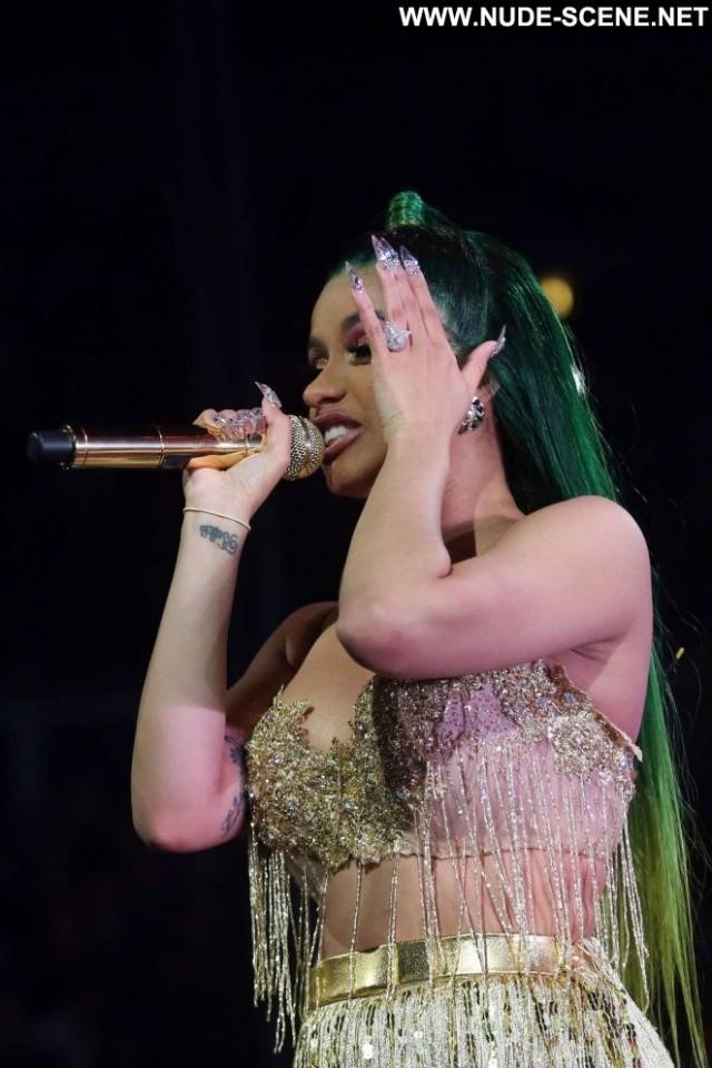 Cardi B No Source  Celebrity Concert Beautiful Paparazzi Posing Hot