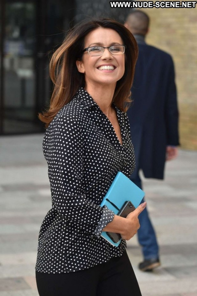 Susanna Reid No Source  Babe Paparazzi Posing Hot Celebrity London