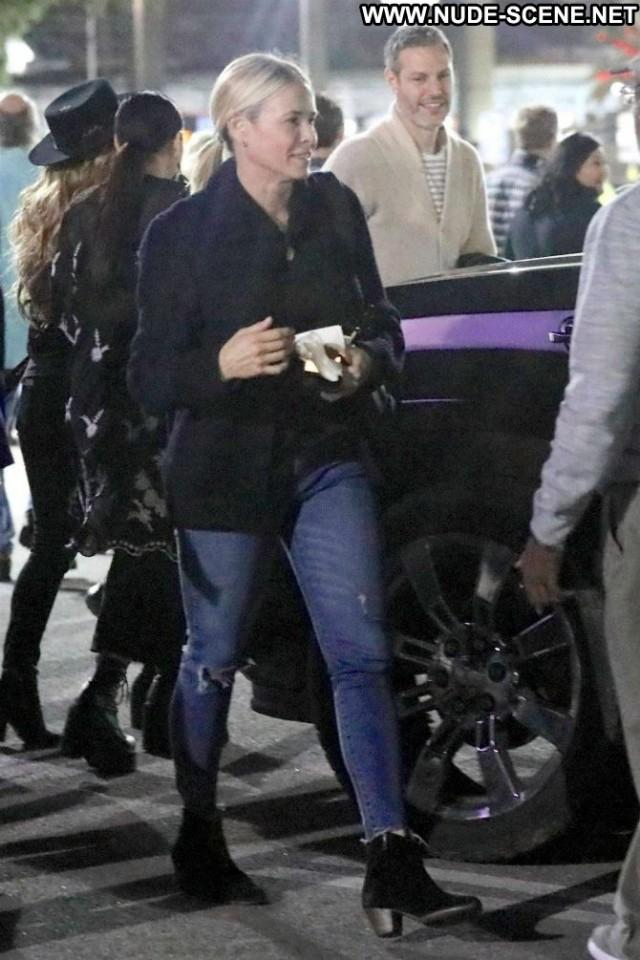 Chelsea Handler No Source Paparazzi Posing Hot Celebrity Beautiful