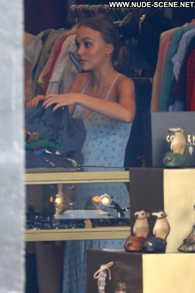 Lily Rose Depp Golden Age Babe Beautiful Celebrity Shopping Posing