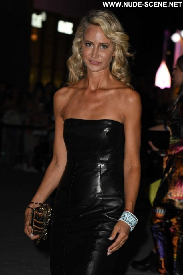 Victoria Hervey Fashion Show Babe Posing Hot Celebrity Fashion
