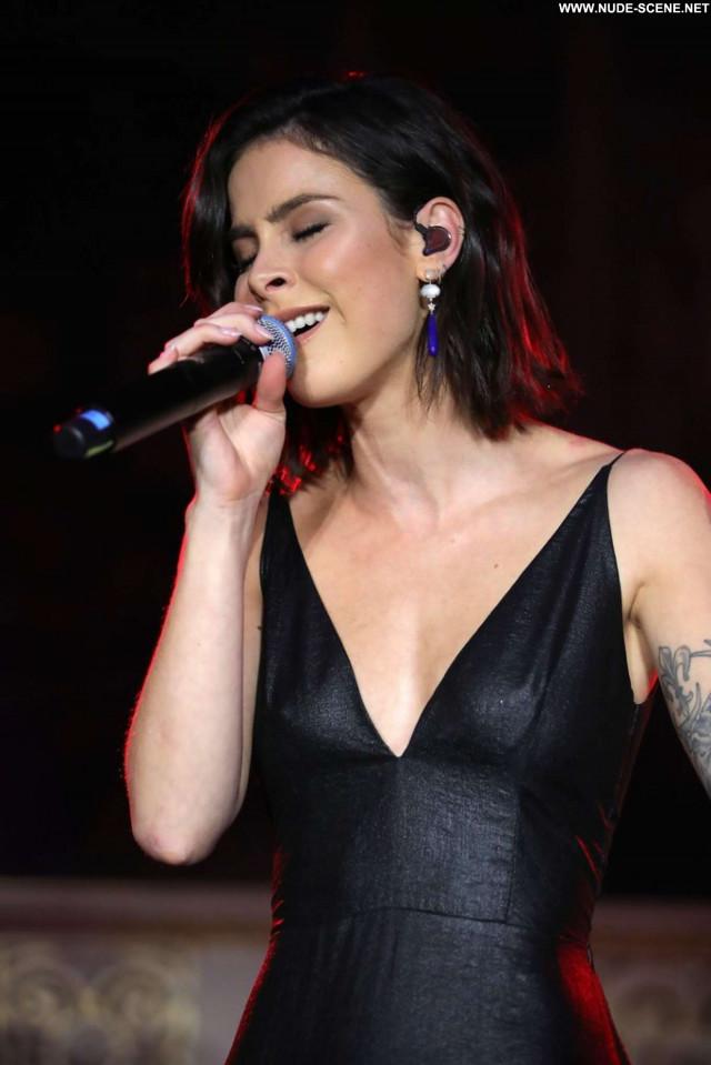 Kelley Jakle New York Posing Hot Celebrity Paparazzi New York Concert