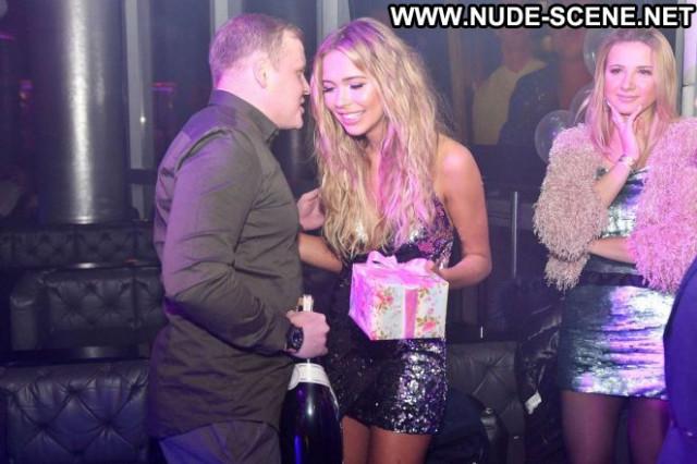 Sandra Kubicka No Source  Celebrity Club Posing Hot Birthday