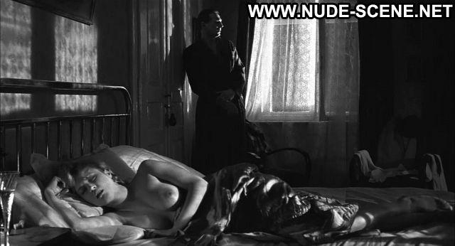 Caroline goodall nude pics
