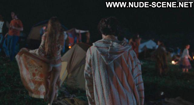 Kelli Garner Taking Woodstock Hippie Showing Ass Nude Scene