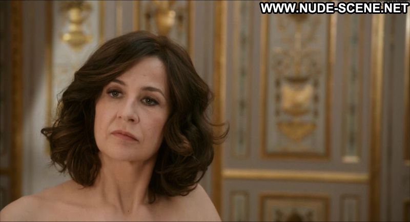 Valerie Lemercier Main Dans La Main Celebrity Posing Hot Celebrity Nude Sexy Nude Scene Sexy Scene