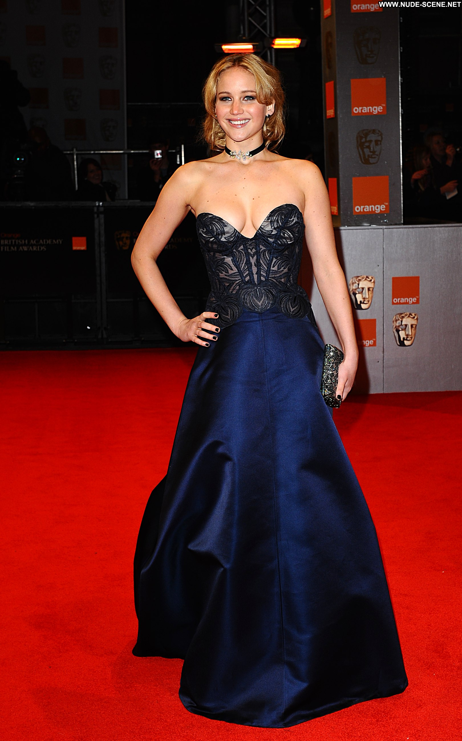 Jennifer Lawrences on-set nudity made folk uncomfortable