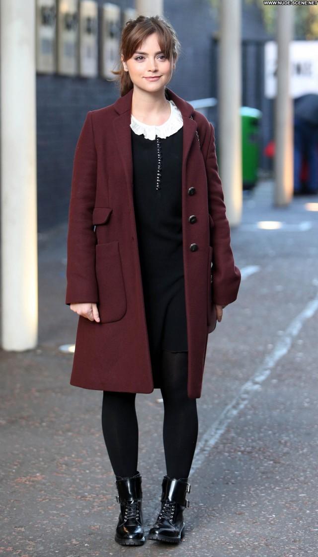 Louise Daybreak  Babe Candids Celebrity Beautiful High Resolution