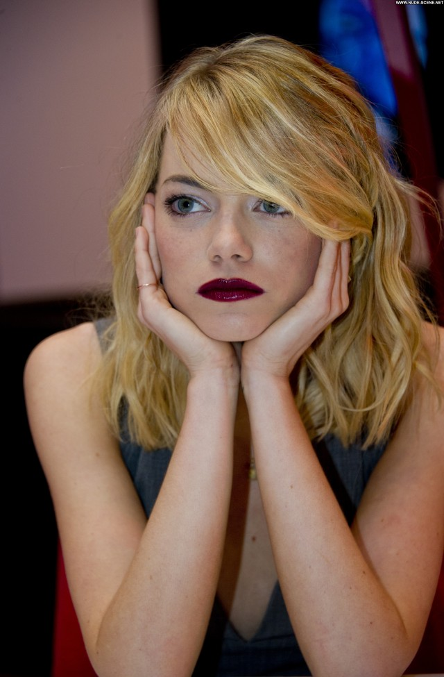 Emma Stone Studio City Babe High Resolution Celebrity Posing Hot