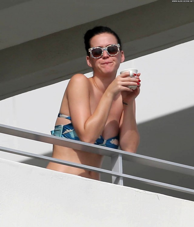 Katy Perry No Source Celebrity Beautiful Posing Hot Balcony High