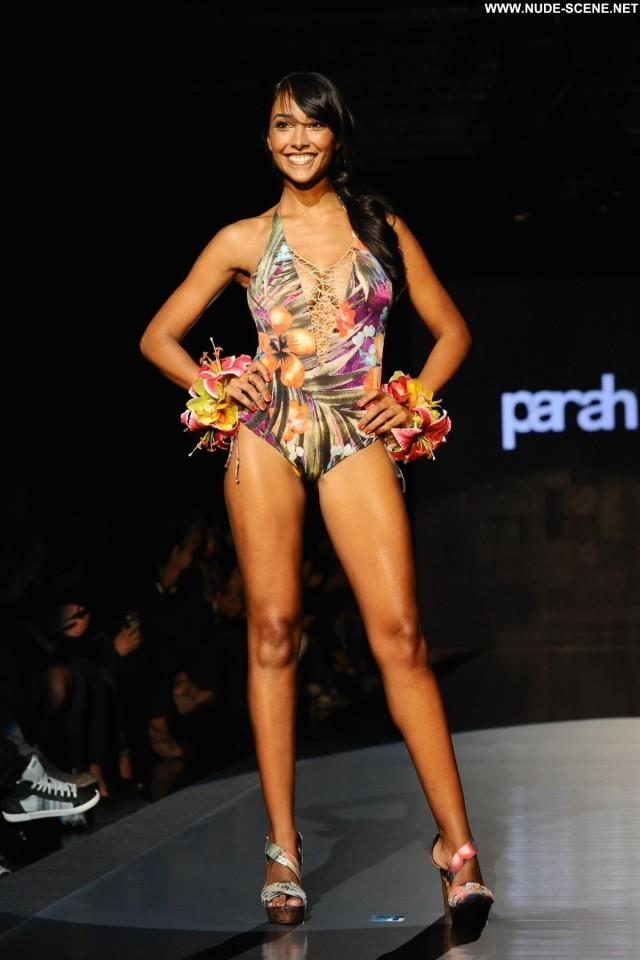 Juliana Moreira Dancing With The Stars Posing Hot Fashion Spain