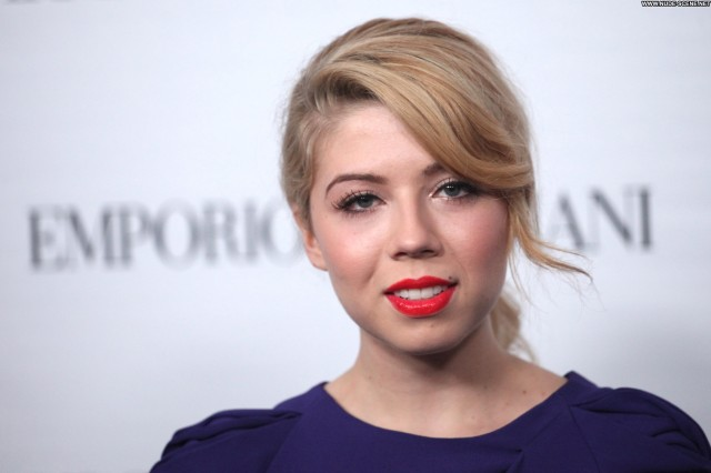 Jennette Mccurdy Los Angeles Posing Hot Hollywood Party Celebrity