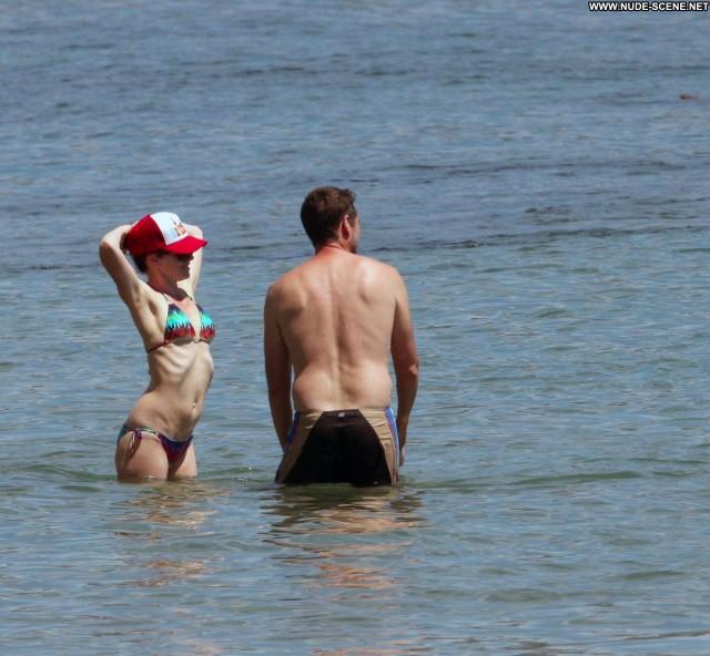 Alyson Hannigan Malibu Beach Beautiful Celebrity Malibu Posing Hot