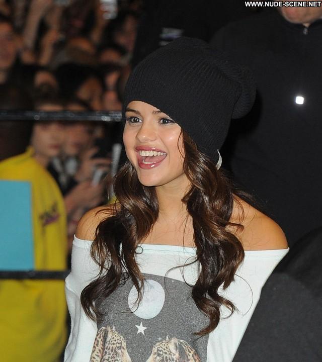 Selena Gomez No Source Beautiful Posing Hot London Celebrity Babe