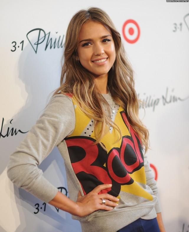 Jessica Alba No Source Posing Hot High Resolution Babe Celebrity