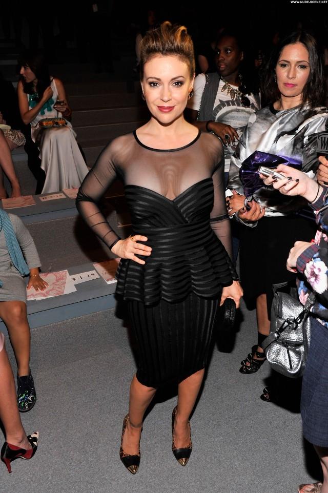 Alyssa Milano Fashion Show Beautiful New York Posing Hot Celebrity