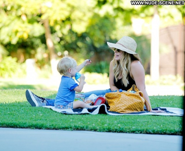 Hilary Duff No Source Park High Resolution Posing Hot Beautiful