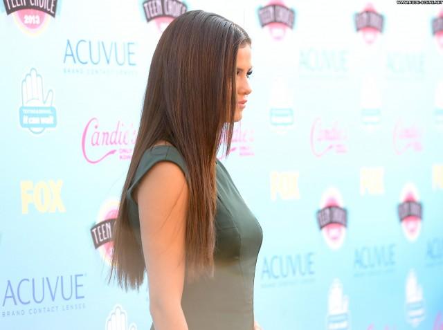 Selena Gomez No Source  Teen High Resolution Posing Hot Awards Babe