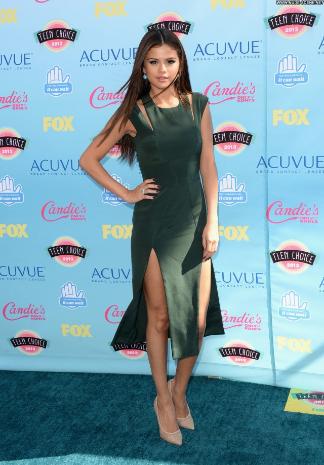 Selena Gomez No Source Posing Hot Celebrity Beautiful Babe Teen High