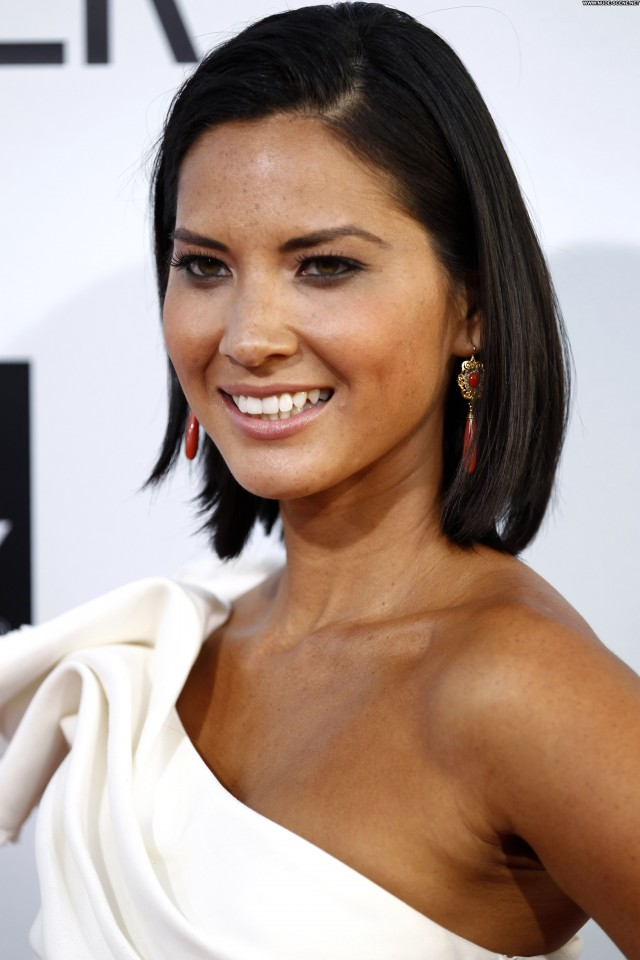 Olivia Munn Our Idiot Brother  Beautiful High Resolution Posing Hot