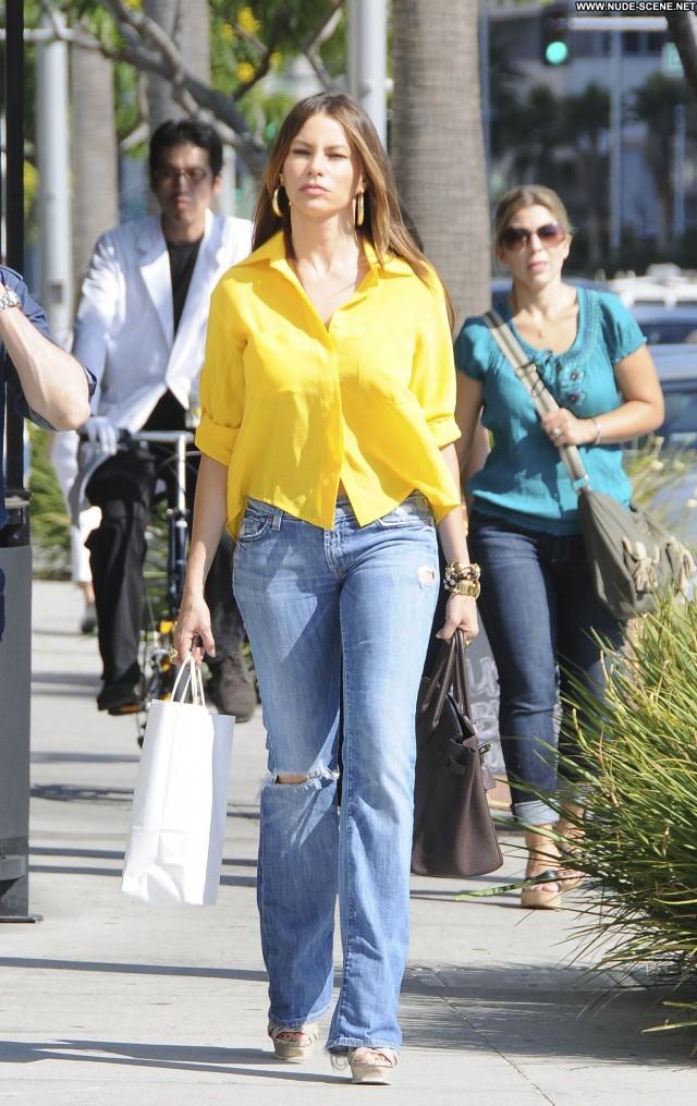 Sofia Vergara Beverly Hills Beautiful Posing Hot High Resolution