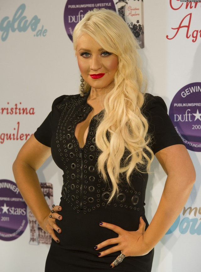 Christina Aguilera Christina Posing Hot Celebrity Beautiful Babe High