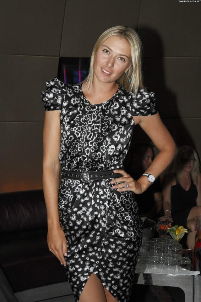 Maria Sharapova Paradise High Resolution Celebrity Bahamas Posing Hot