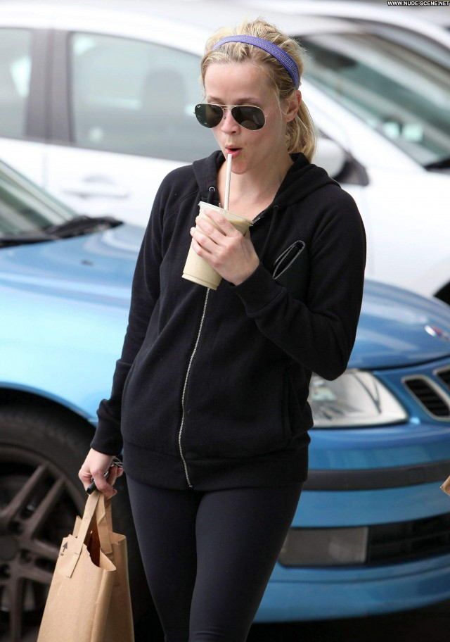 Reese Witherspoon Yoga Class Babe Posing Hot Shopping Yoga Malibu