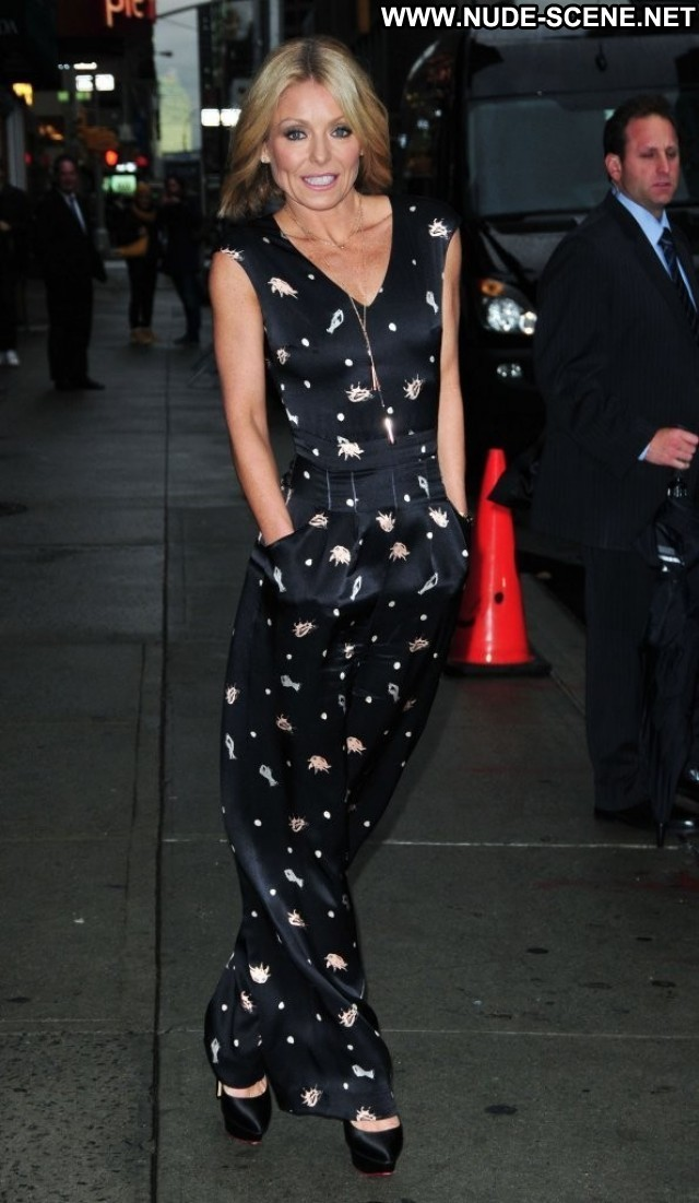 Kelly Ripa Late Show With David Letterman Beautiful High Resolution