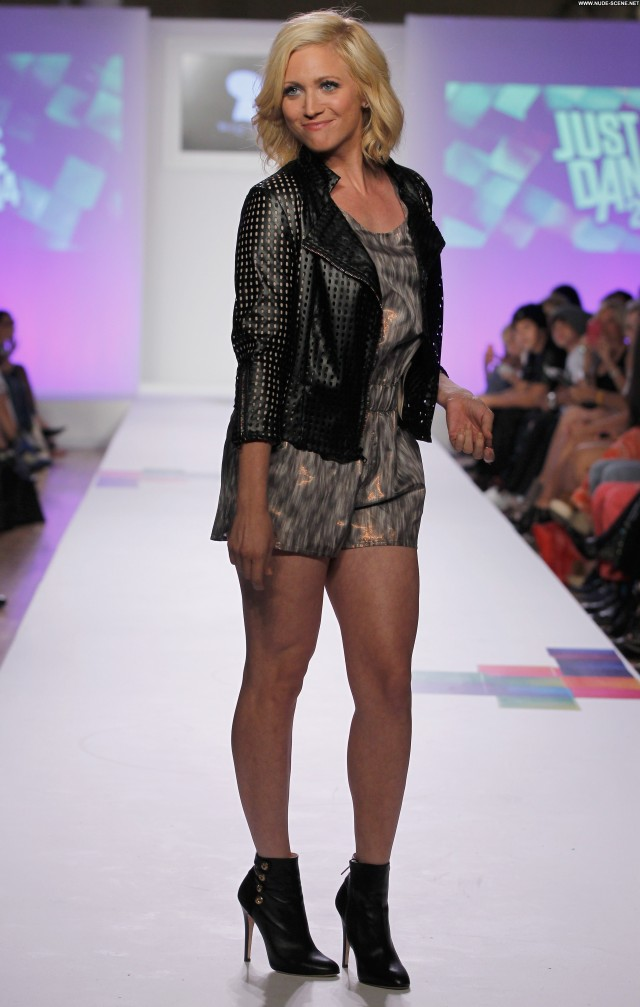 Brittany Snow Fashion Show Celebrity Posing Hot Fashion Beautiful