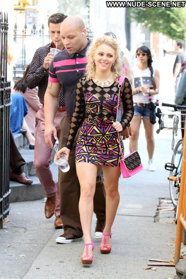 Annasophia Robb The Carrie Diaries High Resolution Posing Hot