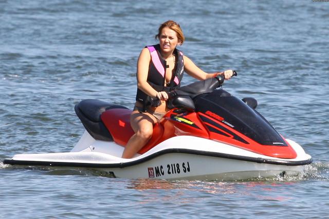 Miley Cyrus No Source Bikini Posing Hot Friends Beautiful High