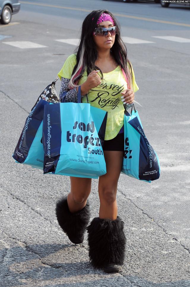 Snooki Jersey Shore Babe High Resolution Beautiful Celebrity Posing